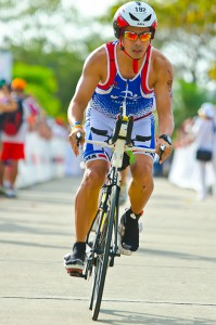 César Kiamco se inició en el triatlón hace unos 10 años. Antes de eso no había practicado ningún deporte y ya hoy ha participado en seis competencias Ironman en diferentes países.