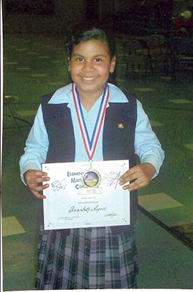Para Dianisbeth, cada prueba se convertía en un reto personal. A sus doce años de edad, concursó y ganó una medalla de matemáticas a nivel de los colegios intermedios.