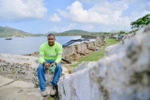 Edward Chifundo, de 29 años y oriundo de Portobelo, es uno de los 19 colaboradores del Patronato de Portobelo y San Lorenzo que han sido capacitados para la restauración de las fortalezas en peligro.