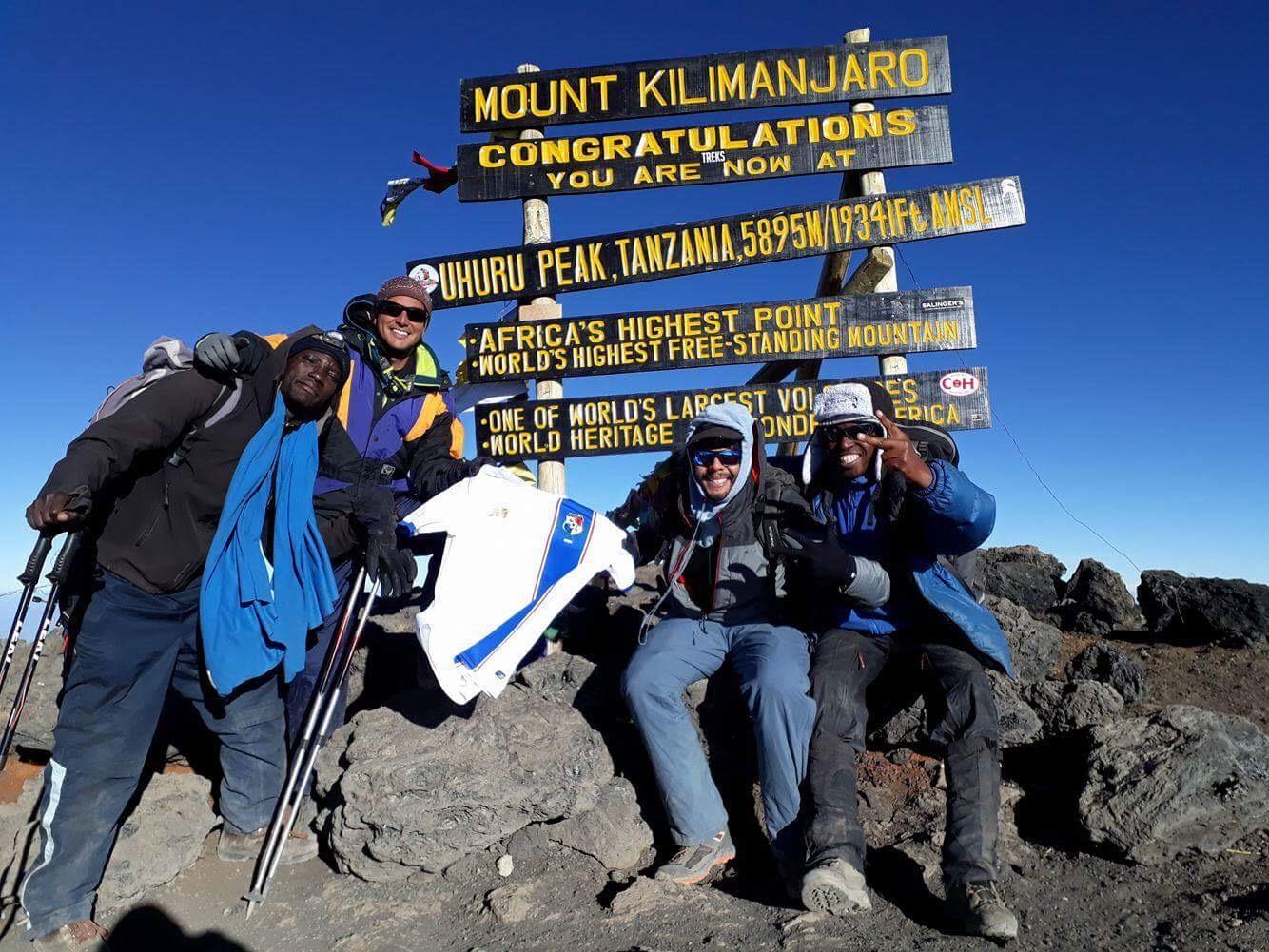 Cima Kilimanjaro Jose Manuel Sam Moreno Y Felipe González